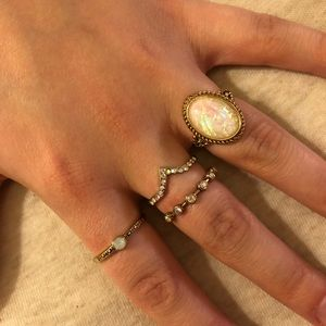 Forever 21 | Iridescent Stone Ring Set